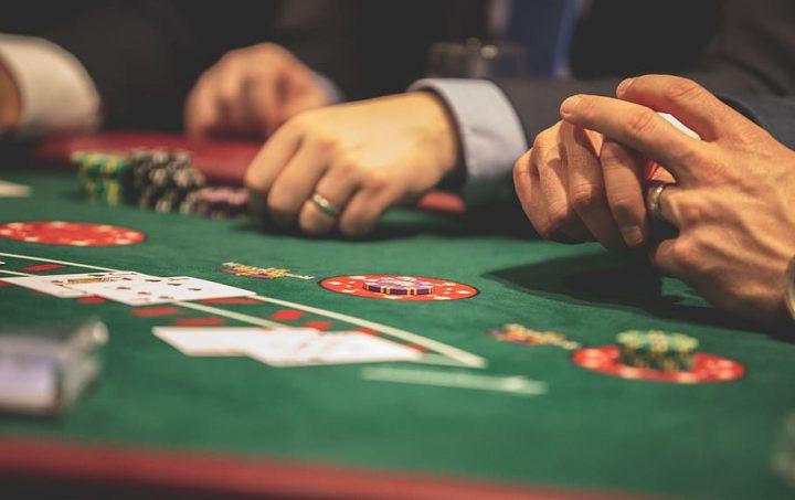 Cara Menang Terus Main Situs Poker Online
